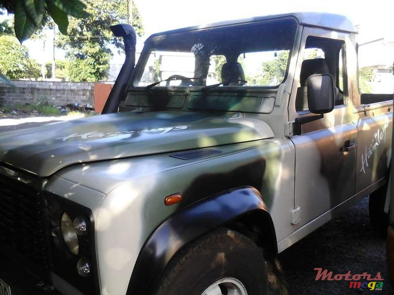 2000 Land Rover Defender body and engine rebuilt in Vacoas-Phoenix, Mauritius