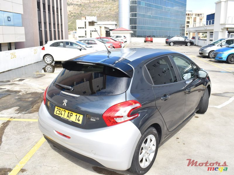 2014 39 peugeot 208 hdi 1 4 automatique vendre 525 000 rs meyepa grand baie maurice. Black Bedroom Furniture Sets. Home Design Ideas