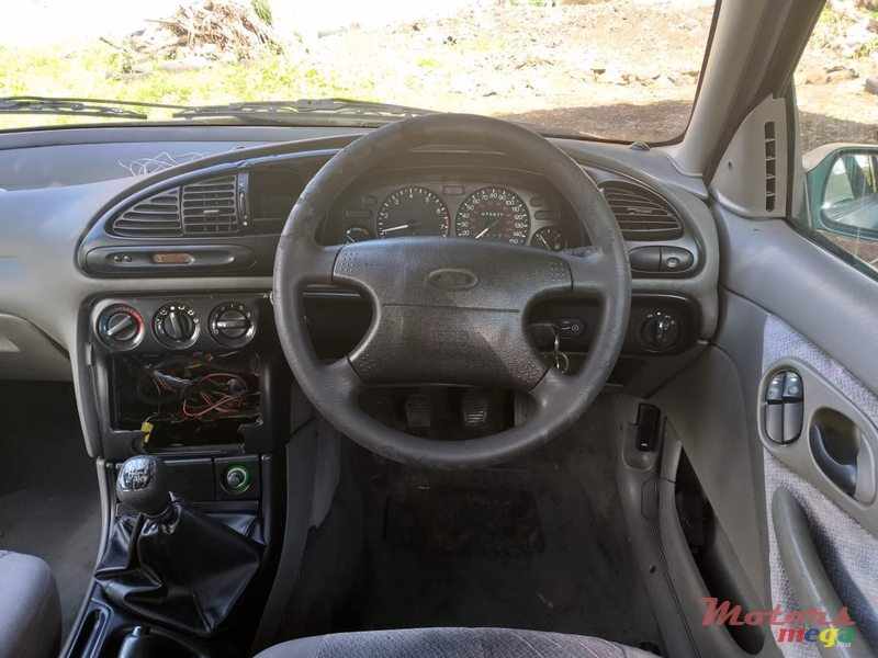 2000 Ford Mondeo en Curepipe, Maurice - 2