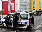 French Forces Evacuate 18 People from Paris Mall after Armed Raid