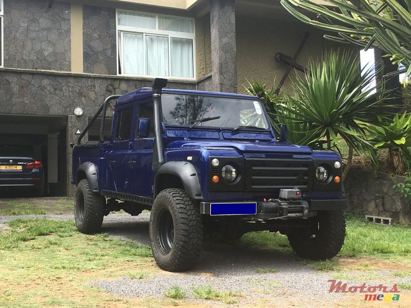 2000 39 land rover defender for sale 810 000 rs julien maxime curepipe mauritius. Black Bedroom Furniture Sets. Home Design Ideas