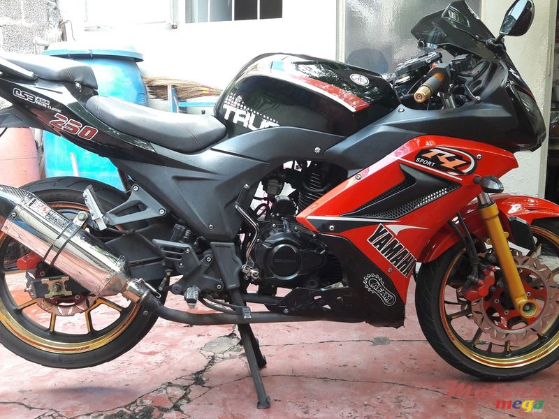 2015 Zongshen Yoshimura exhaust added en Port Louis, Maurice