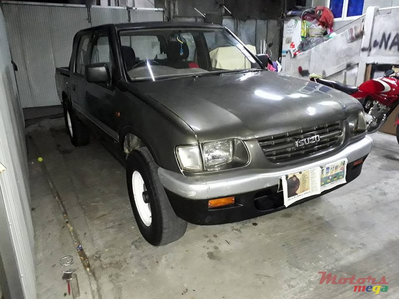 1999 Isuzu kb250 en Port Louis, Maurice