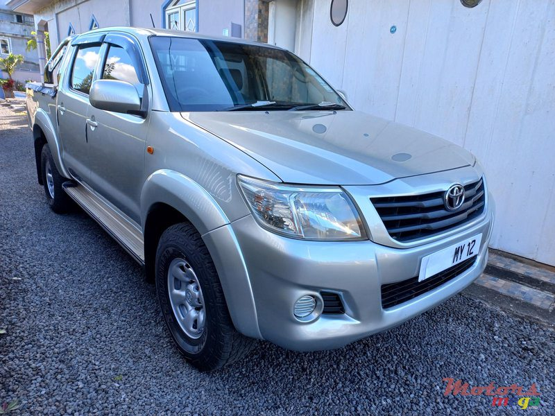 2012 Toyota Hilux 4×4 TURBO in Flacq - Belle Mare, Mauritius - 7