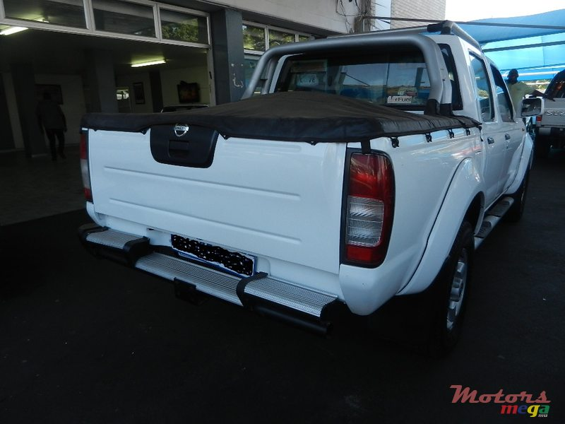 2005 Nissan Hardbody in Flacq - Belle Mare, Mauritius - 2