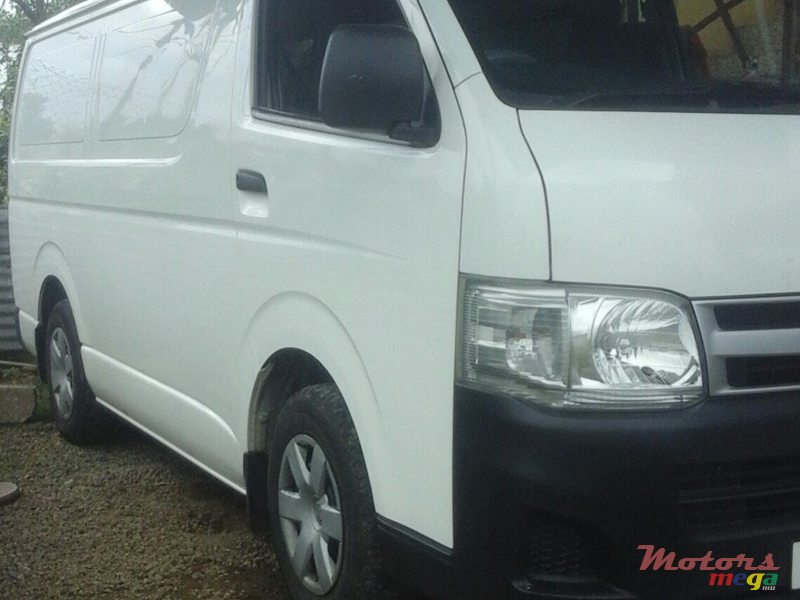 2012 Toyota Hiace Goodvehicle en Flacq - Belle Mare, Maurice - 3