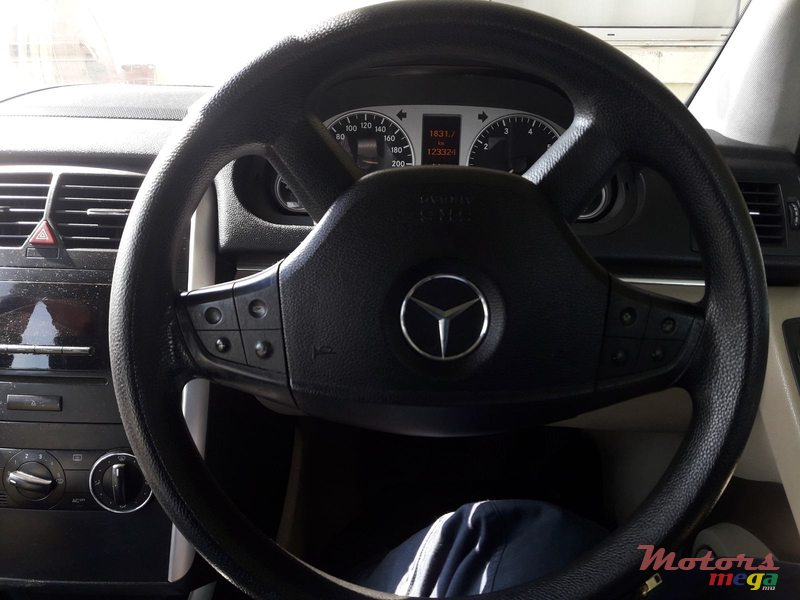 2006 Mercedes-Benz B 150 in Rose Belle, Mauritius - 3