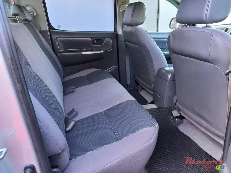 2012 Toyota Hilux 4×4 TURBO in Flacq - Belle Mare, Mauritius - 3