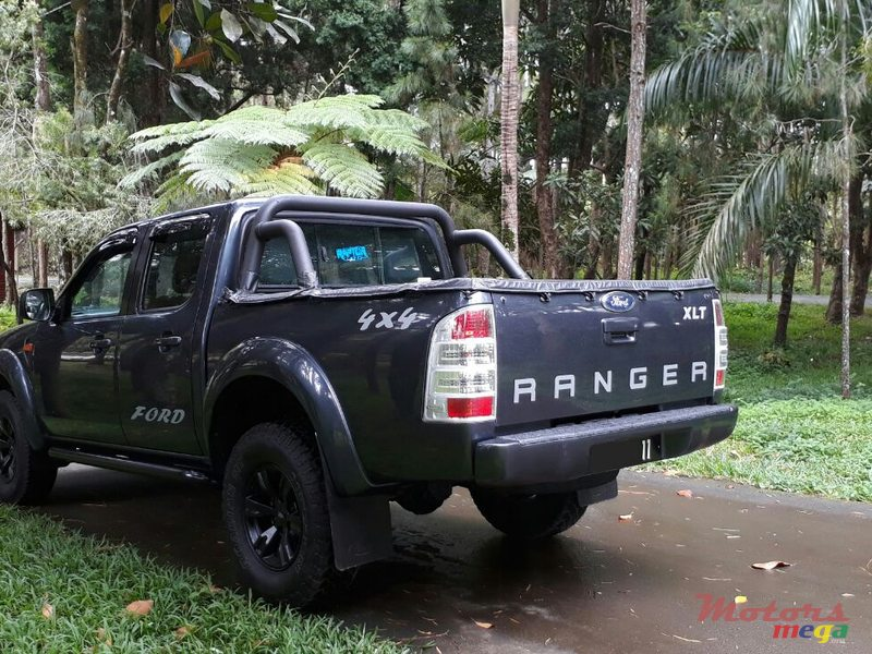 2011 39 ford ranger xlt 4x4 vendre le prix est n gociable rs quartier militaire maurice. Black Bedroom Furniture Sets. Home Design Ideas