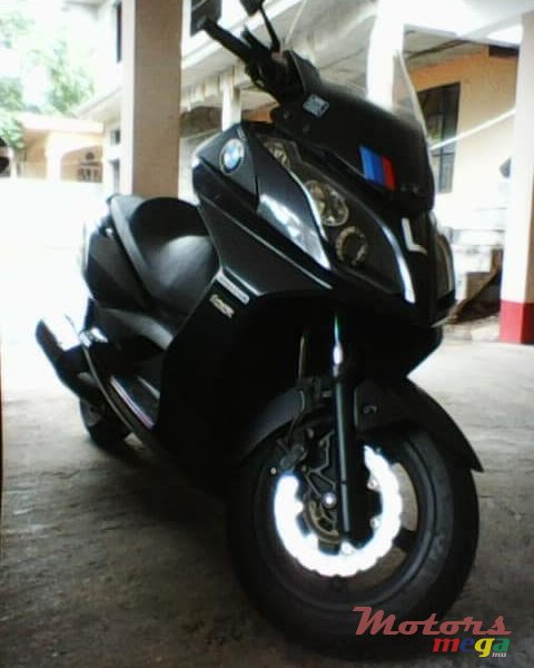 2015 Kymco exhaust pipe in Terre Rouge, Mauritius - 2
