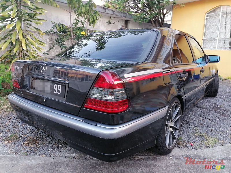 1999 Mercedes-Benz in Terre Rouge, Mauritius - 2