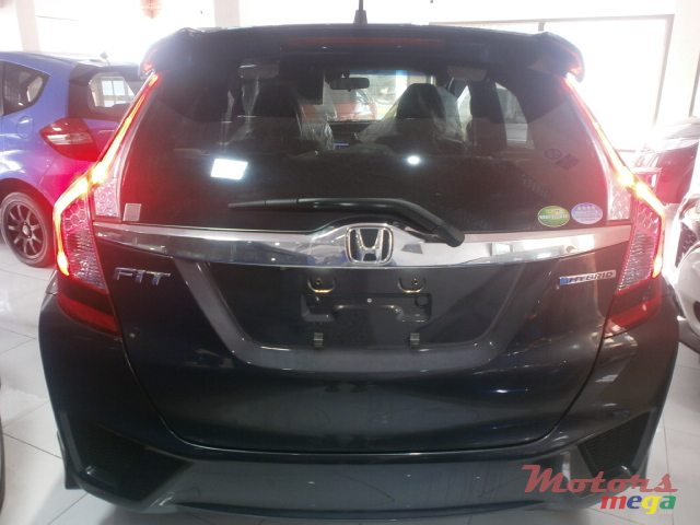 2015 Honda Fit s package en Curepipe, Maurice - 7