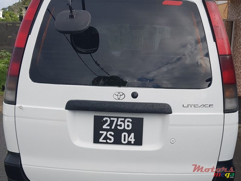 2004 Toyota Lite Ace GOODS VEHICLE in Port Louis, Mauritius