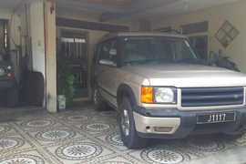 2001' Land Rover Discovery 2