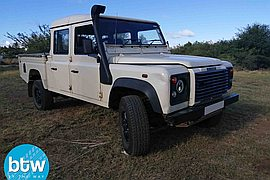 2008' Land Rover Defender