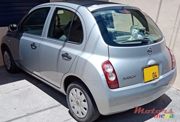 2004 Nissan March en Rose Hill - Quatres Bornes, Maurice - 5