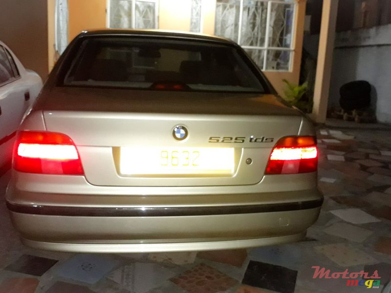 1998 BMW 525 in Terre Rouge, Mauritius