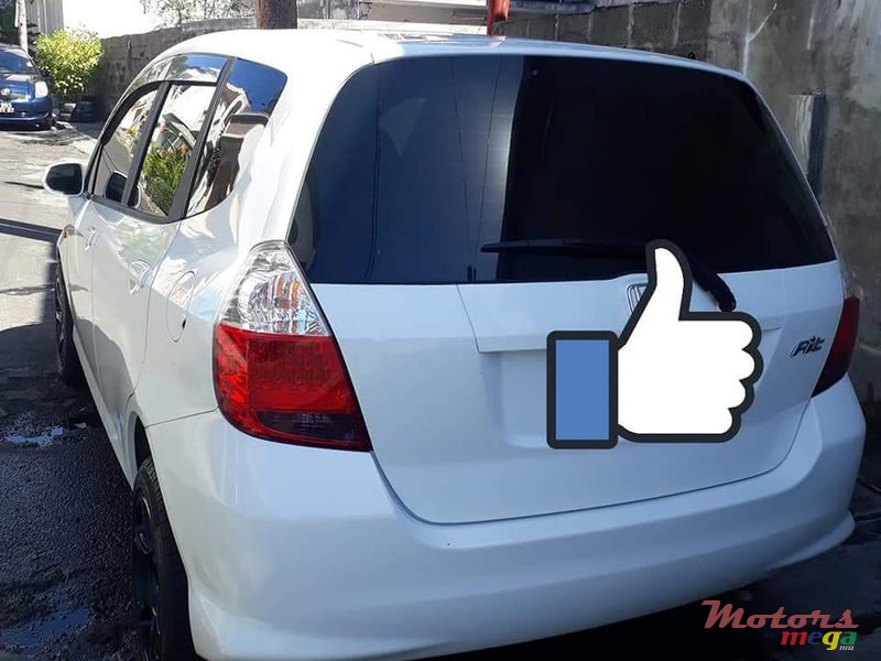 2004 Honda Fit Tinted windows, alloy tires en Port Louis, Maurice