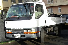2009' Mitsubishi Canter 2Ton Simple Roues