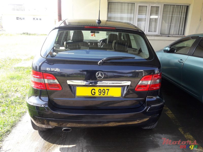 2006 Mercedes-Benz B 150 in Rose Belle, Mauritius - 5