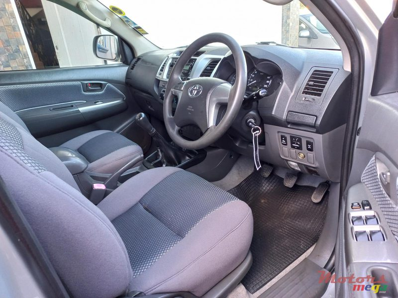 2012 Toyota Hilux 4×4 TURBO in Flacq - Belle Mare, Mauritius - 2
