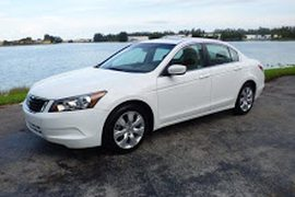2008' Honda Accord White Honda accord for Sale
