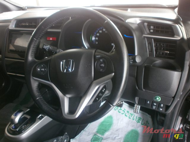 2015 Honda Fit Hybrid S Package in Curepipe, Mauritius - 5