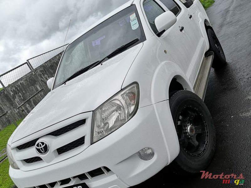 2006 Toyota Hilux 3.0 in Rose Belle, Mauritius - 2