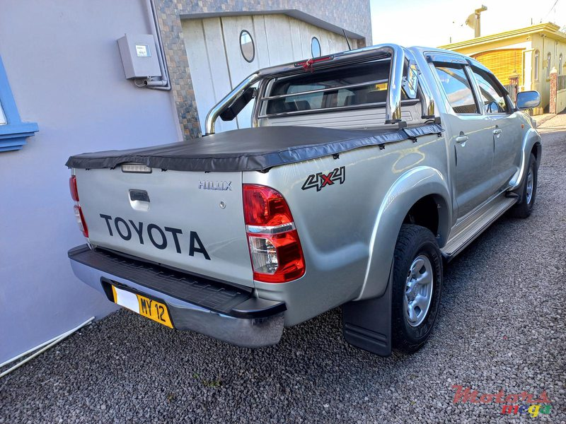 2012 Toyota Hilux 4×4 TURBO in Flacq - Belle Mare, Mauritius