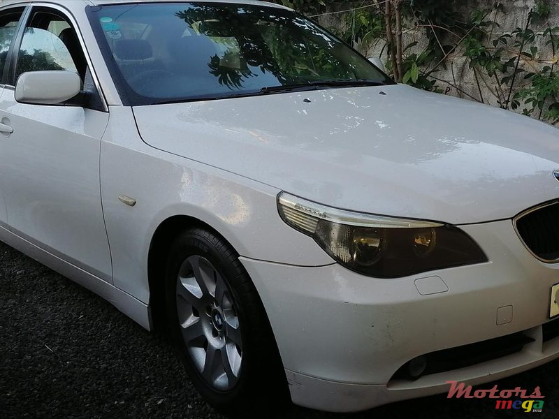 2005 BMW 520 in Terre Rouge, Mauritius