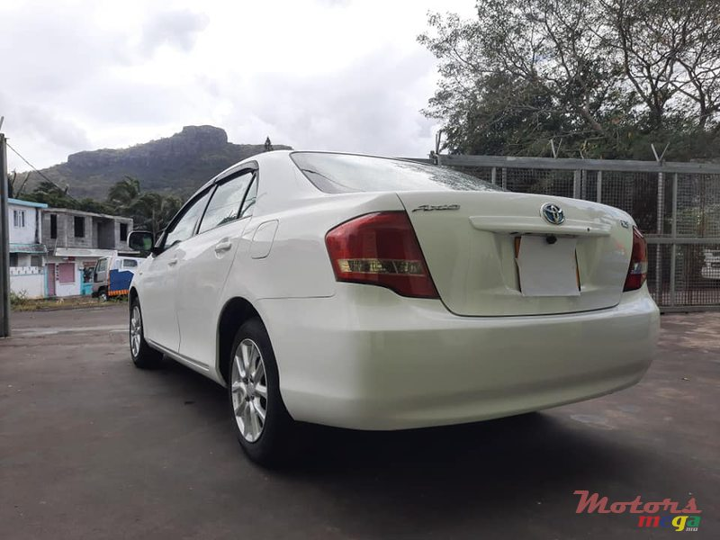 2009 Toyota Axio X LIMITED en Port Louis, Maurice - 3