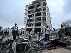 12 Are Killed in Bombing Outside Hotel in Somalia