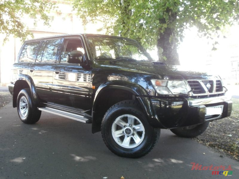 1998' Nissan Patrol Y61 for sale - 310,000 Rs  Roches Noires