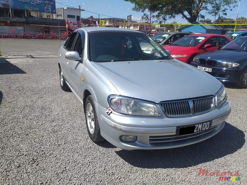 2000 Nissan Sunny N16 in Quartier Militaire, Mauritius