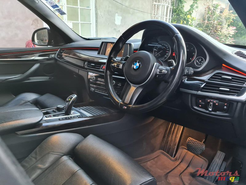 2015 BMW X5 M package 2.5d automatic in Vacoas-Phoenix, Mauritius - 6