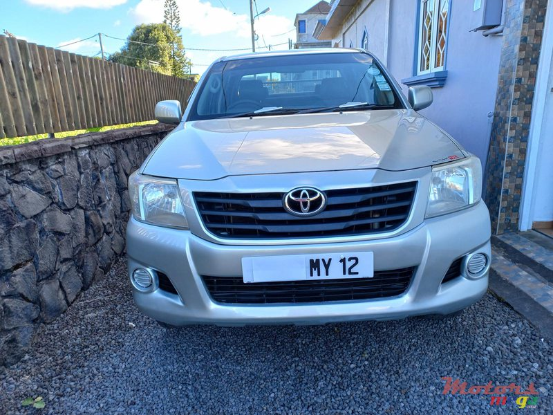 2012 Toyota Hilux 4×4 TURBO in Flacq - Belle Mare, Mauritius - 4