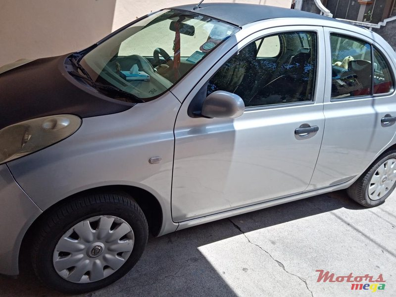 2004 Nissan March en Rose Hill - Quatres Bornes, Maurice