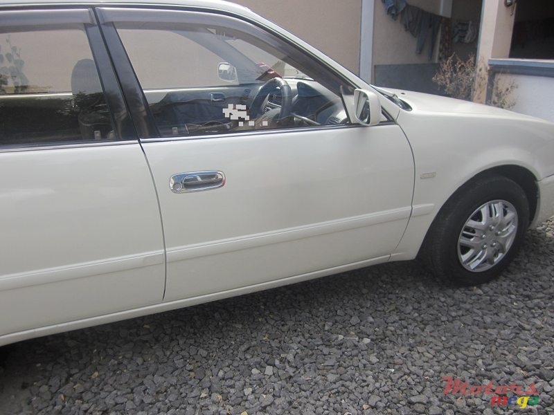 2000' Toyota Corolla AE110 Riviere for sale - 210,000 Rs  Terre