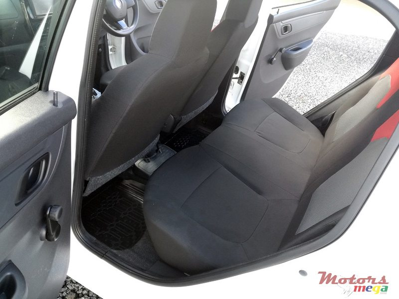 2016 Renault Kwid Manual 0.8L in Roches Noires - Riv du Rempart, Mauritius - 4
