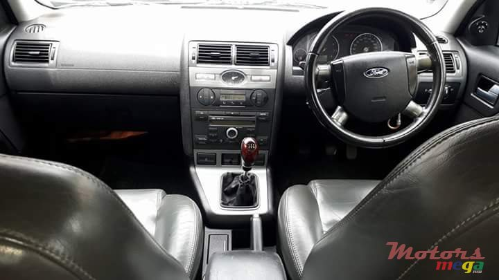 2005 Ford Focus in Terre Rouge, Mauritius