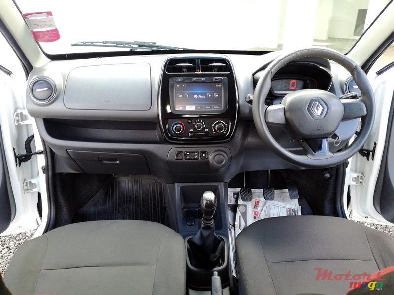 2016 Renault Kwid Manual 0.8L in Roches Noires - Riv du Rempart, Mauritius - 3