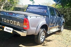 2011' Toyota Hilux any
