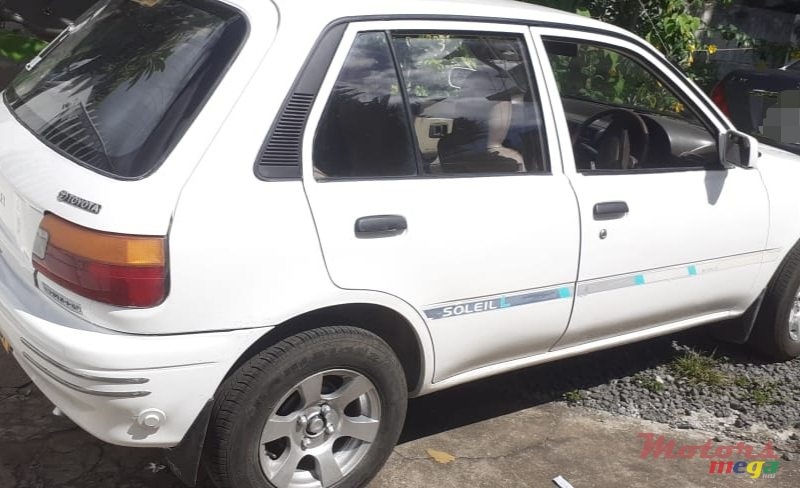 1991 Toyota Starlet in Terre Rouge, Mauritius - 2