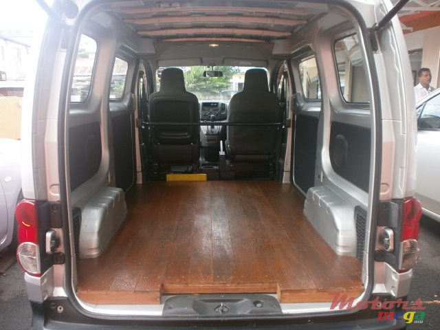 2010 Nissan NV 200 in Curepipe, Mauritius