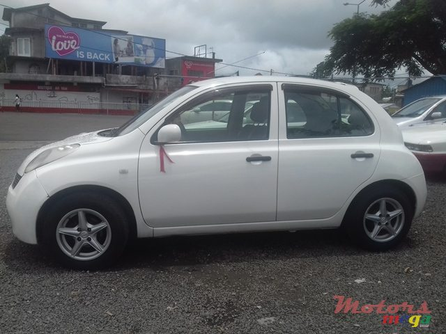 2003 Nissan March in Quartier Militaire, Mauritius