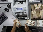 Venezuela's 100-bolivar note withdrawal causes chaos