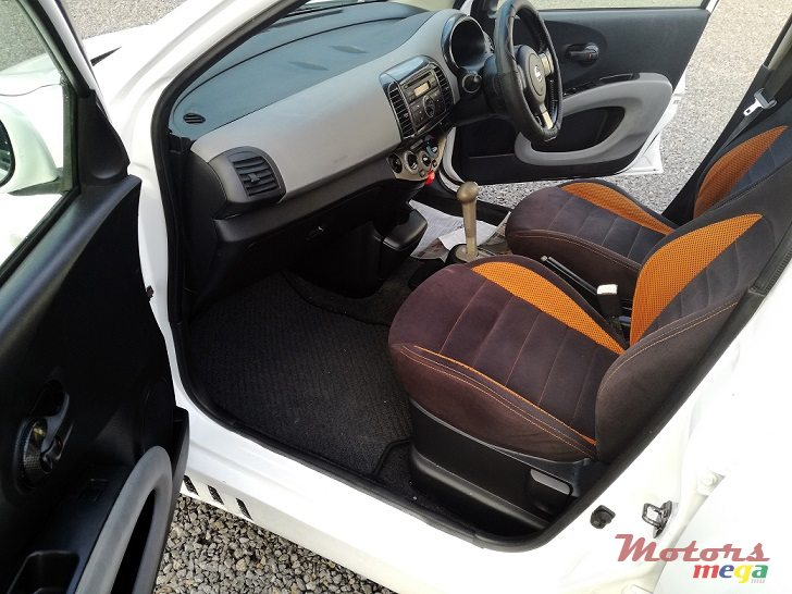 2005 Nissan March AK12 SR Type-Auto in Roches Noires - Riv du Rempart, Mauritius