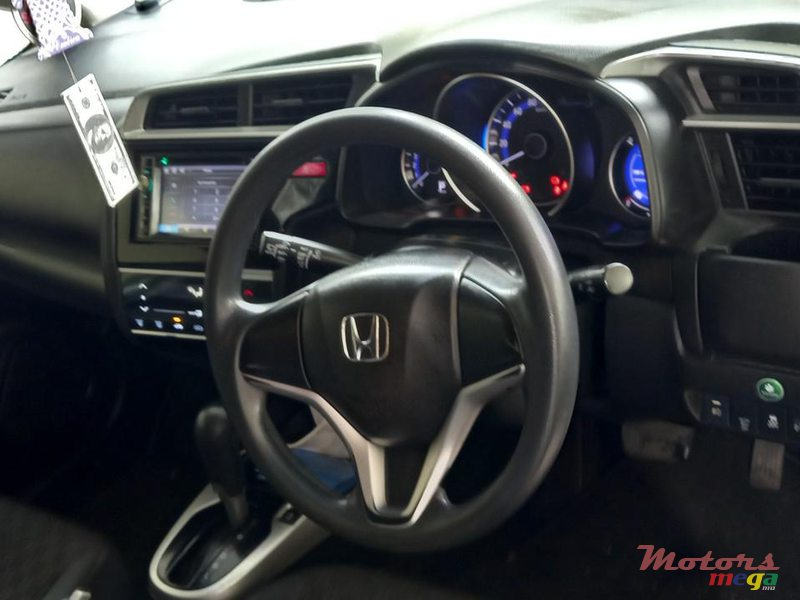 2015 Honda Fit F package in Flacq - Belle Mare, Mauritius - 4
