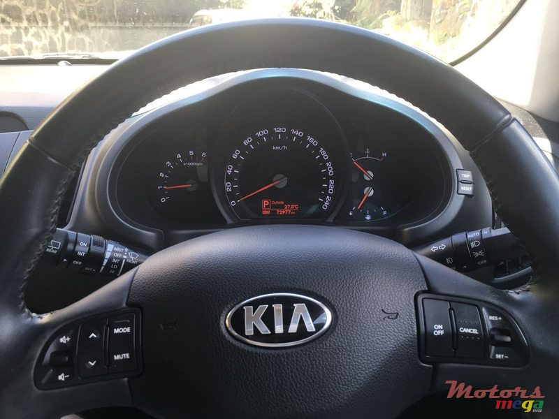 2013 39 kia sportage vendre 875 000 rs mah bourg maurice. Black Bedroom Furniture Sets. Home Design Ideas