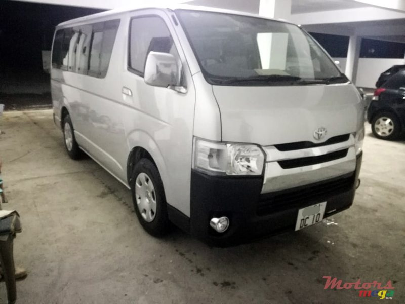2010 Toyota Hi-Ace Dual purpose in Roches Noires - Riv du Rempart, Mauritius - 4